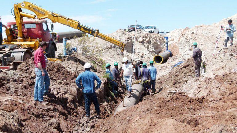 La obra beneficia la conducción de agua para Huincul y Cutral Co.