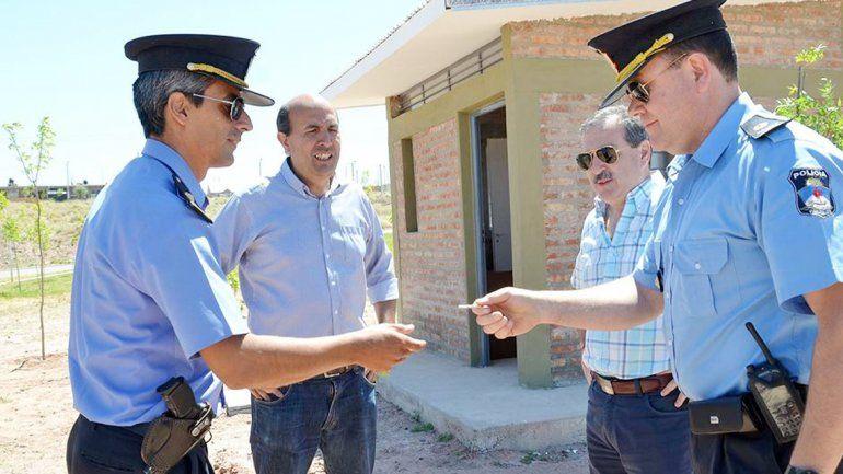 Bermúdez presidió la entrega de la nueva posta policial.