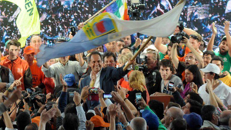 Scioli cerró su campaña en La Matnaza.