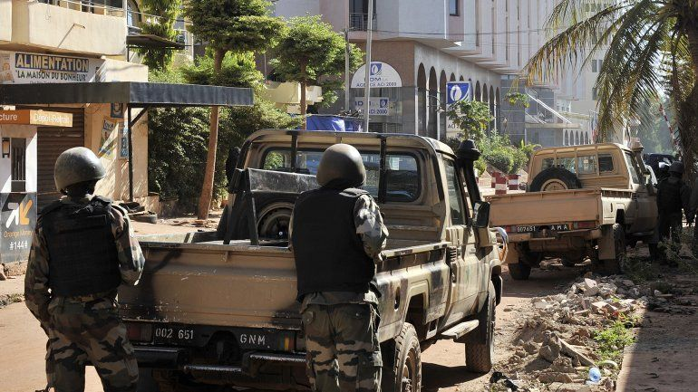 Al menos 27 personas murieron en un atentado terrorista en Mali