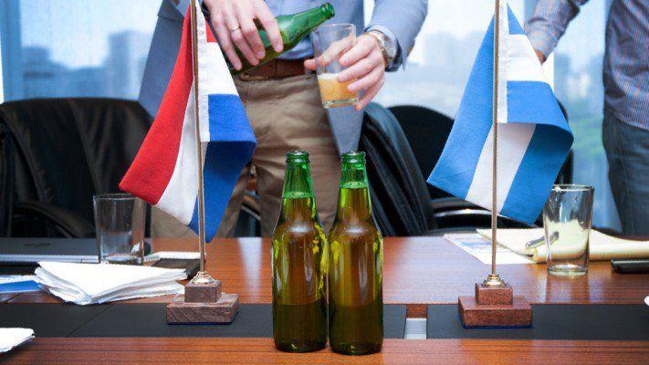 Heineken trabajará junto a científicos de Conicet y la UNCo tras descubir una nueva especie de levadura en la Patagonia