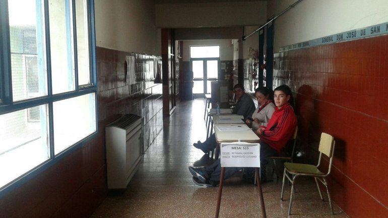 Las escuelas estuvieron vacías en las primeras horas del ballotage