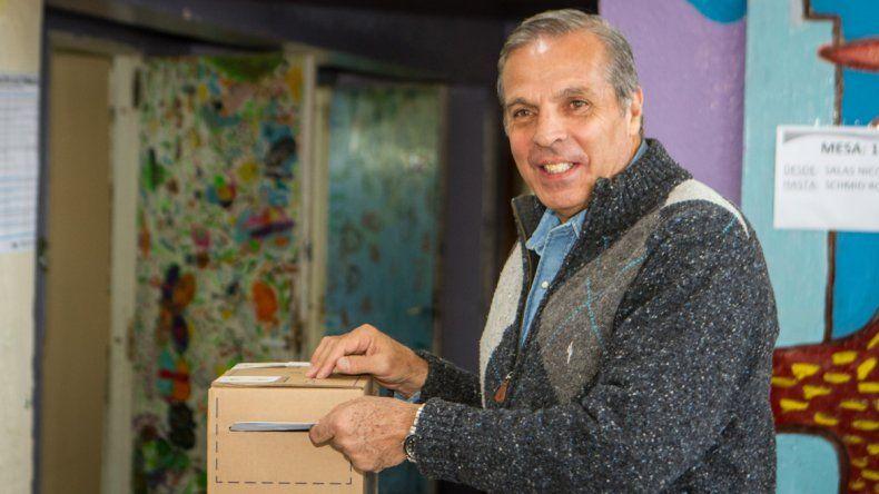 Jorge Sapag votó en San Martín de los Andes.