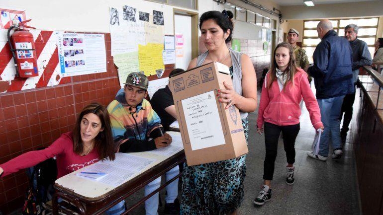 Comenzó el pago a las autoridades de mesa de las últimas elecciones