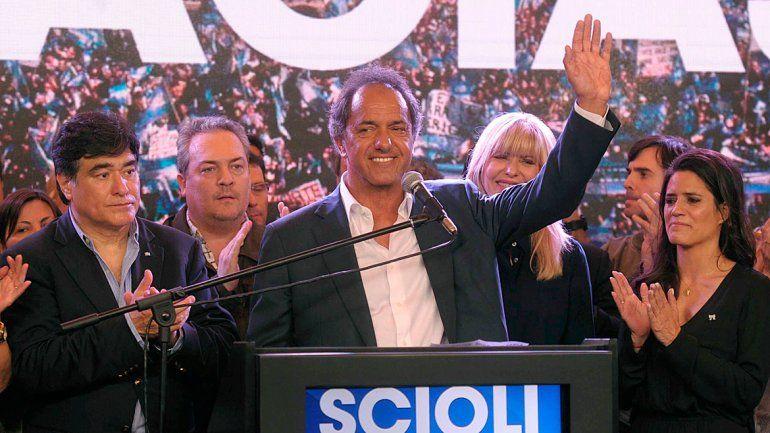 Scioli reconoció la derrota y dijo que espera un cambio superador