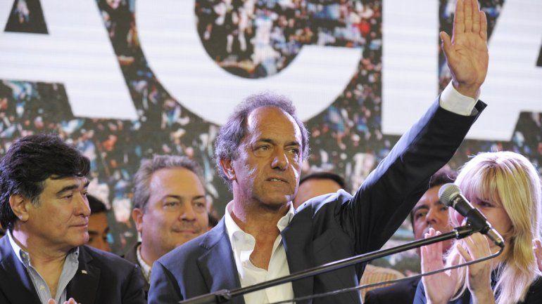 Scioli salió a reconocer la derrota con el 70% de los votos escrutados.