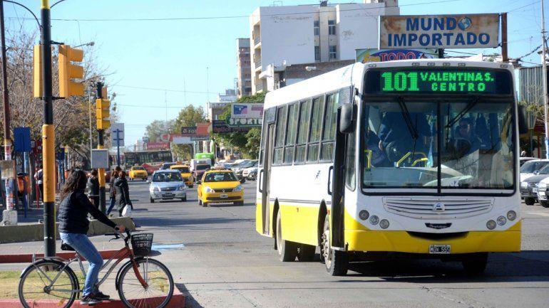El transporte público incorporó más unidades. Los concejales quieren que el servicio se siga ampliando.
