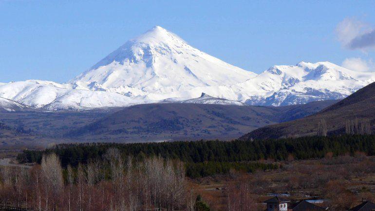 Comenzó la temporada de ascensos del volcán Lanín