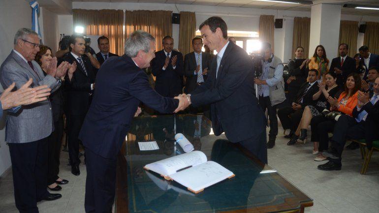 El acto de juramento se realizó este mediodía en Tribunales con la presencia del gobernador Jorge Sapag