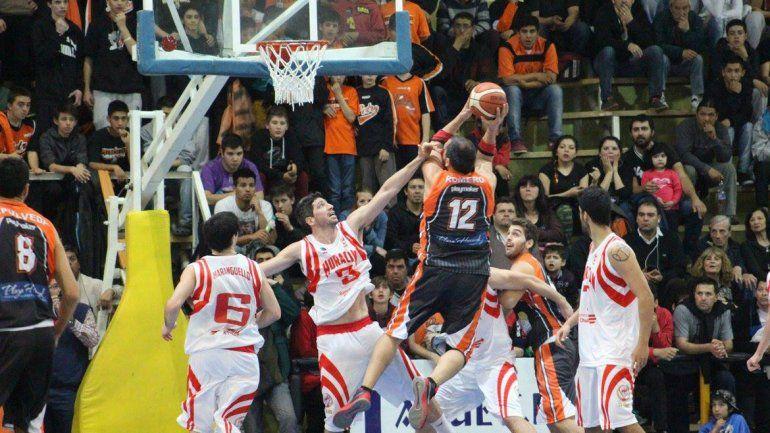 El equipo de Plaza Huincul lo revirtió en el cuarto final.