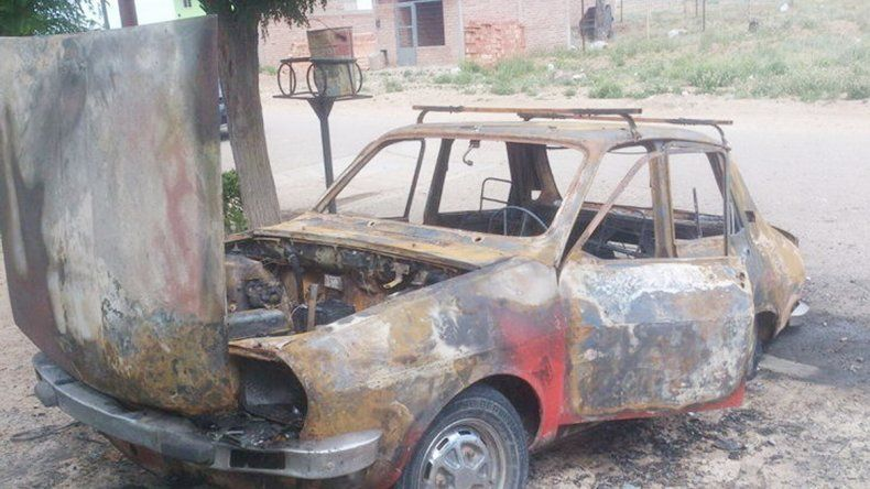#NiUnaMenos: golpeó a su mujer y luego quemó un auto