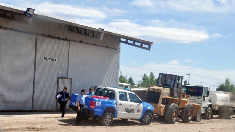 El accidente se produjo en el taller de herrería de la delegación.