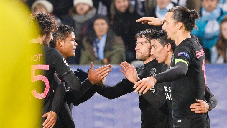 El equipo francés festejó la victoria y el gol 7000 de la Champions.