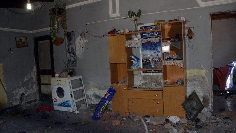 Los vecinos le destruyeron la casa al sospechoso de violación.