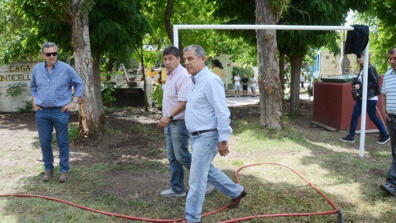 Horacio Quiroga recorrió la plaza del barrio Belgrano y afirmó que el próximo gabinete será casi el mismo que el actual.
