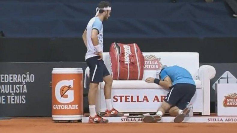 El tenista argentino Guido Pella se desplomó tras sufrir una lesión en la pierna