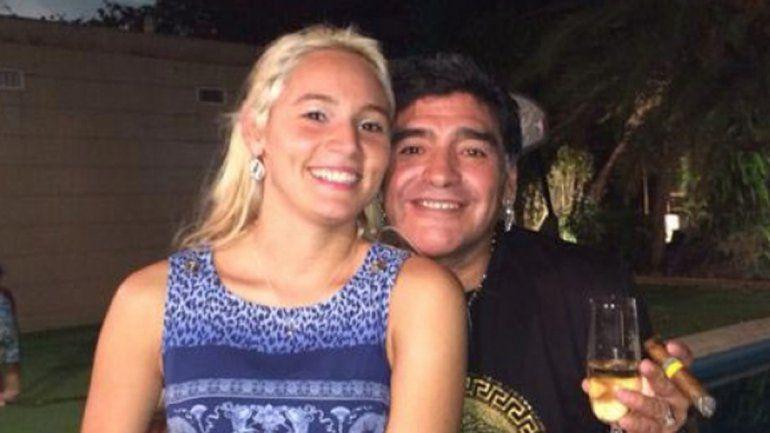Diego Maradona se casa con Rocío Oliva