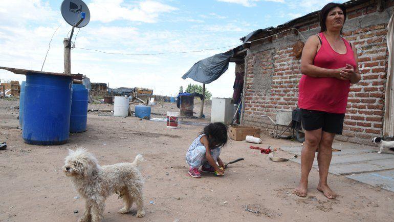 La mitad de las familias que padecen la falta de agua viven en Colonia Nueva Esperanza. Todos los años estos neuquinos sufren por lo mismo.