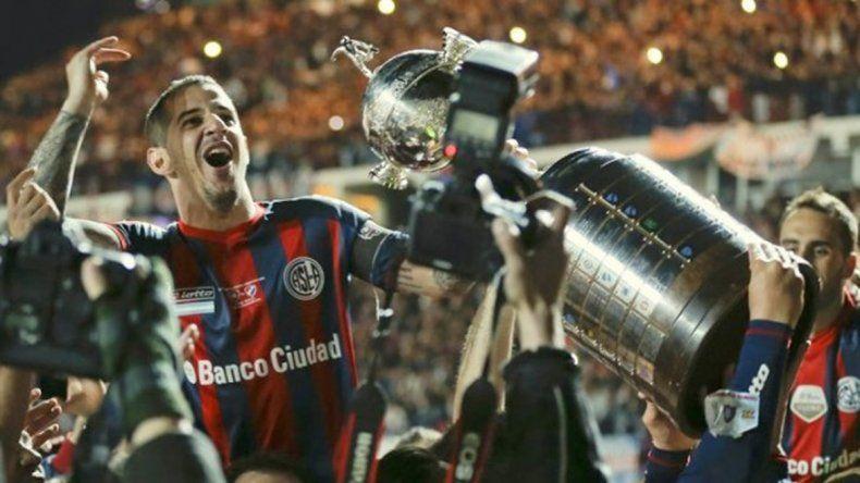 El ídolo del Ciclón llegará con la Copa Libertadores ganada en 2014.