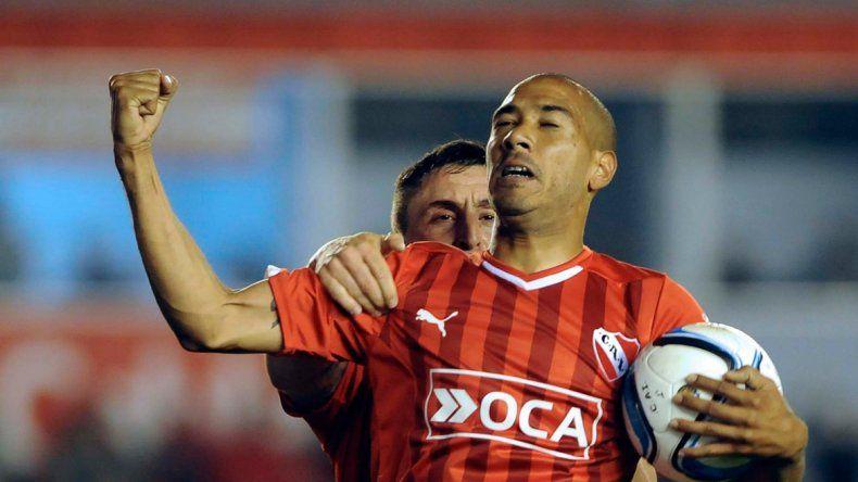 El uruguayo Vera está intratable en Independiente y hoy Racing deberá cuidarse de él y del Cebolla. Así como el Rojo