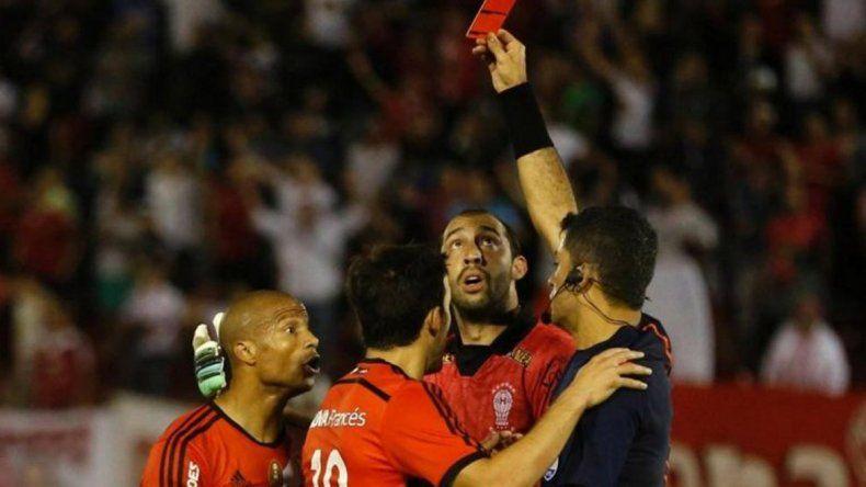 La Conmebol confirmó que el uruguayo podrá jugar el Mundial.
