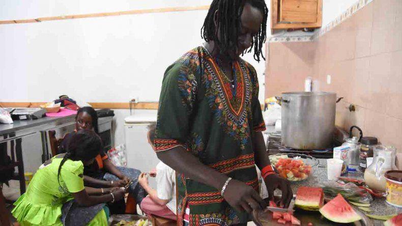 La colorida celebración de los senegaleses en Neuquén
