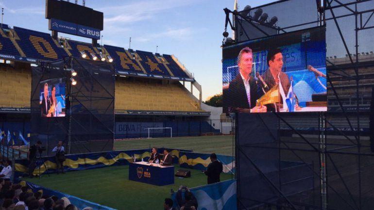 Boca homenajeó a Mauricio Macri en La Bombonera