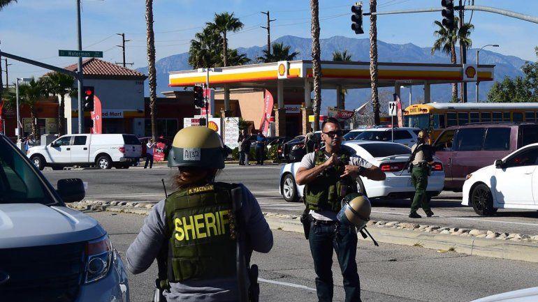 La Policía trabaja en el lugar del tiroteo.