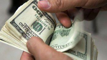 el dolar supera los 16 pesos por primera vez en 9 meses