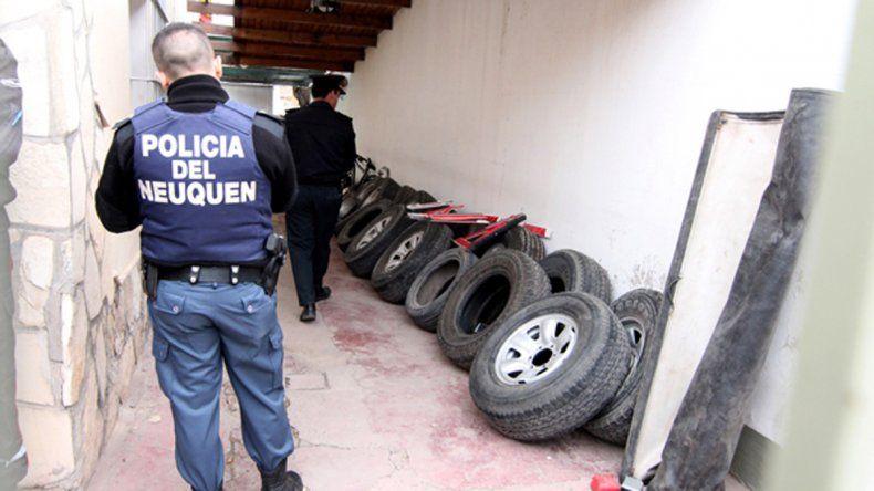 La banda de los Gomeros se dedicaba a robar ruedas de camionetas. Fue desbaratada en mayo.