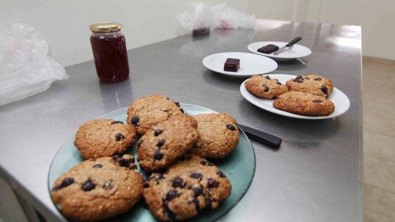 Un grupo de productores elaboran una variedad de alimentos que buscan colocar al alcance de todos