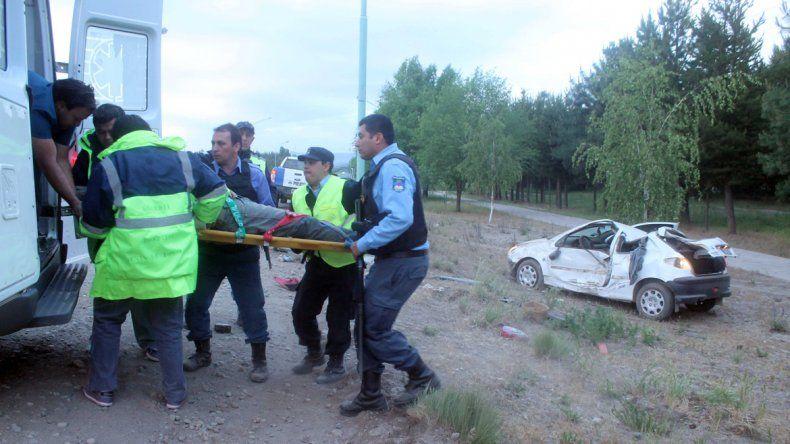 Volcaron en la Ruta 40: la mujer escapó y abandonó a su novio herido