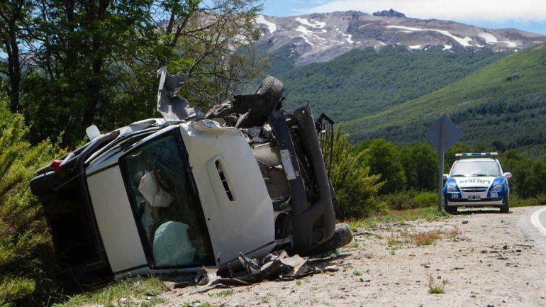 El joven conducía la Kangoo que chocó contra la Toyota Hilux.