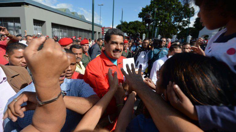 Extendieron los comicios por una hora más en Venezuela