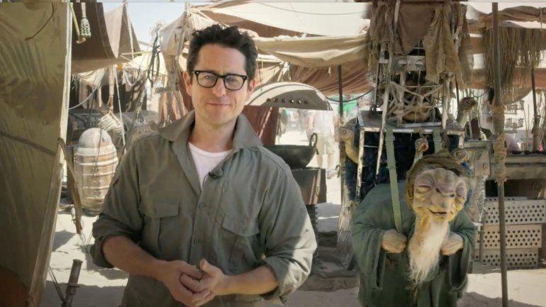 Abrams estrenará Episodio VII el próximo 17 de diciembre.
