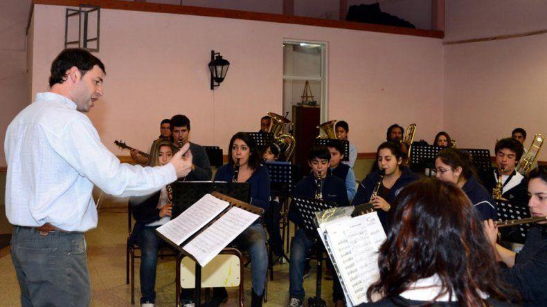 La orquesta está integrada por niños y jóvenes de 6 a 18 años.