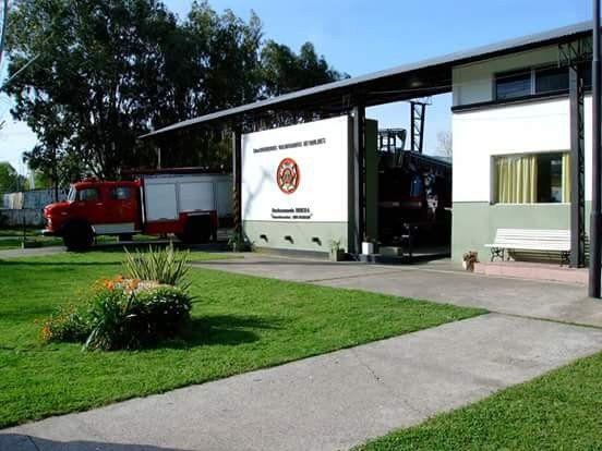 La fachada del cuartel de Bomberos Voluntarios de Quilmes.