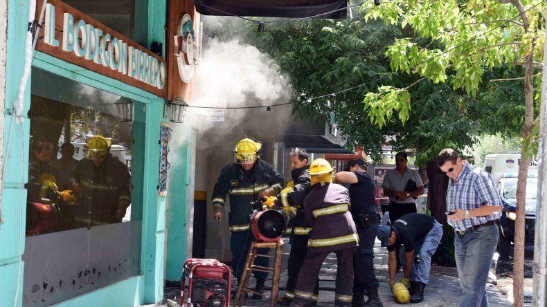 Los bomberos concurrieron otra vez a la calle Alberdi.