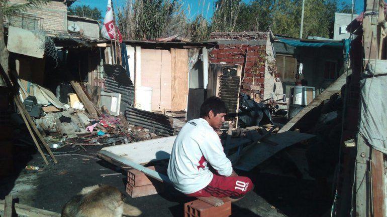 Dos familias perdieron todo al incendiarse sus casillas