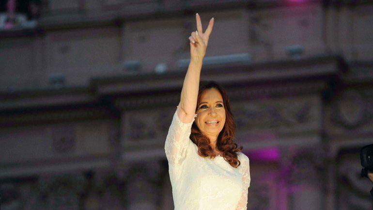 Cristina cerró el año a puro Twitter y disparó contra Macri
