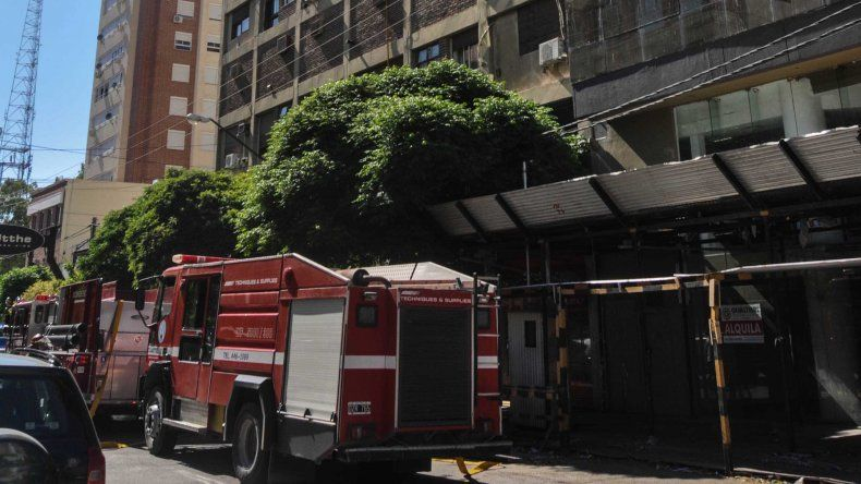 El trágico incendio del edificio de la Galería Jardín, en imágenes
