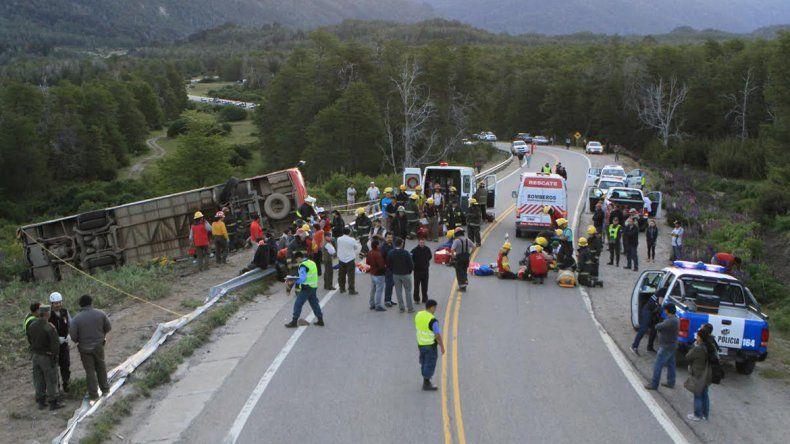 El accidente se registró en la ruta de los Siete Lagos.