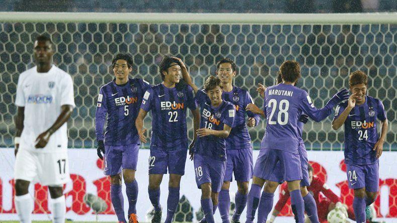 Hiroshima derrotó 2 a 0 al Auckland City en el partido inaugural.