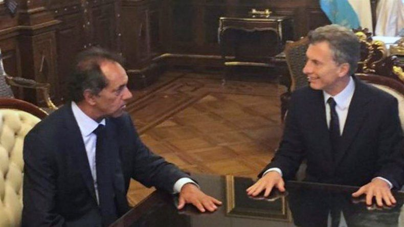 Mauricio Macri y Daniel Scioli en la Casa Rosada.