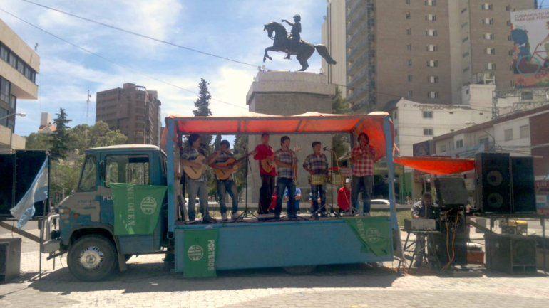 ATE realizó una protesta en el monumento contra el tarifazo