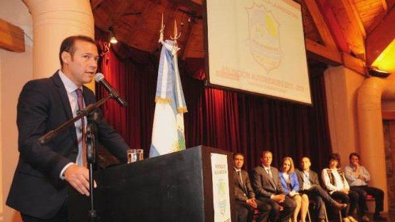 El gobernador destacó el ejemplo de Villa la Angostura.