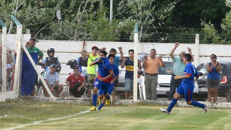 Los jugadores festejaron el batacazo que dieron ante Independiente.