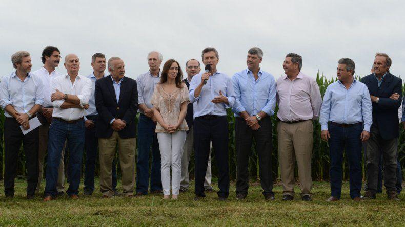 Macri anunció la quita de las retenciones: alivio para la fruticultura