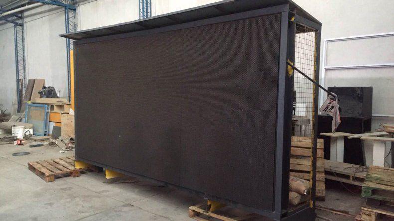 La pantalla estaba escondida en un depósito de calle Montevideo al 600.