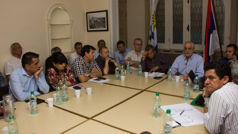 Ramón Rioseco en la primera reunión del Parlasur.